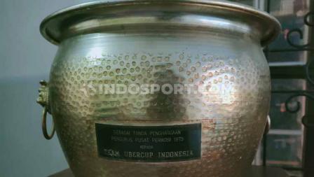 Hadiah dari Presiden Soeharto ke Tati Sumirah selepas pulang ke Indonesia usai menjuarai Piala Uber 1975.