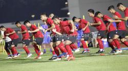 Timnas Indonesia senior memulai latihan perdana di Stadion Madya bersama sang pelatih, Shin Tae-yong.