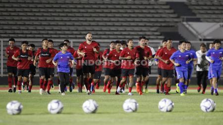 Latihan Timnas Indonesia senior di Stadion Madya beberapa waktu lalu. - INDOSPORT