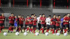 Indosport - Timnas Indonesia U-19 dan Senior segera memulai latihan perdana Jumat (07/08/20) besok.