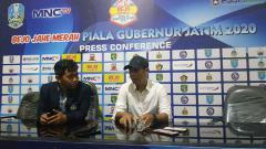 Indosport - Pelatih klub Liga 1 Persik Kediri, Joko Susilo, menginginkan skuat asuhannya untuk cooling down alias tenang.