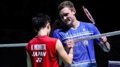 Indosport - Soroti perbedaan poin Kento Momota dengan 2 wakil Denmark yakni Viktor Axelsen dan Anders Antonsen di ranking BWF, media Jepang isyaratkan kekhawatiran?