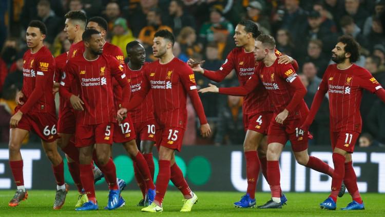 Selebrasi pemain Liverpool usai Sadio Mane mencetak gol ke gawnag Norwich City di pekan ke-26 Liga Inggris, Minggu (16/02/20). Copyright: https://twitter.com/Sporf