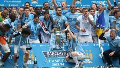 Indosport - Manchester City saat menjuarai gelar Liga Primer Inggris 2013/2014