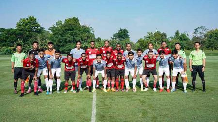 Klub Liga 2 Sulut United mengakhiri rangkaian pemusatan latihan (training camp/TC) di Yogyakarta dengan menantang Borneo FC pada Senin (17/02/20). - INDOSPORT