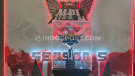Sejak marak penyebaran virus corona di bulan Maret, Moonton sudah membuat agenda turnamen eSports MPL Indonesia season 5 digelar tanpa penonton. - INDOSPORT