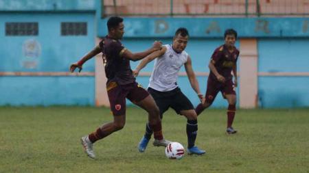 Pelatih PSM Makassar, Bojan Hodak, menyebut kehilangan lima gelandang sekaligus kontra Shan United di ajang Piala AFC 2020. Laga kedua penyisihan grup H tersebut bakal dihelat di Stadion Madya Senayan, Jakarta, Rabu (26/02/20) mendatang. - INDOSPORT