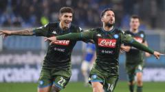 Indosport - Selebrasi Dries Martens usai mencetak gol di pekan ke-24 Liga Italia Cagliari vs Napoli, Senin (17/02/20).