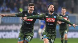 Selebrasi Dries Martens usai mencetak gol di pekan ke-24 Liga Italia Cagliari vs Napoli, Senin (17/02/20).