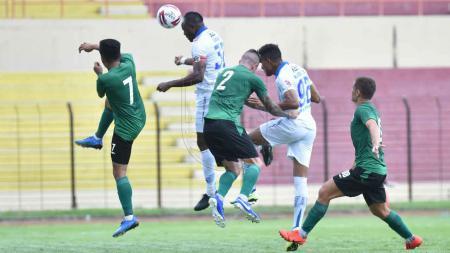 Hasil pertandingan uji coba atau persahabatan antara PSS Sleman vs Persib Bandung berakhir dengan skor 0-2, Senin (17/02/20). - INDOSPORT
