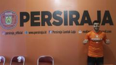Indosport - Pemain Timnas Lebanon, Samir Ayass, resmi gabung Persiraja Banda Aceh untuk Liga 1 2020.