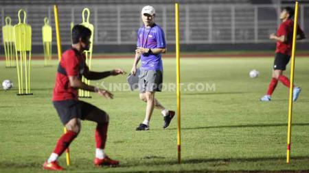 Pelatih Timnas Indonesia, Shin Tae-yong memang berhasrat memboyong Timnas Indonesia U-19 melakukan pemusatan latihan di Korea Selatan. - INDOSPORT