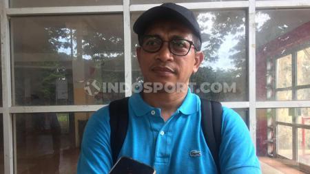 Penanggung jawab infrastruktur PSM Makassar, Yahya Sirajuddin, merespons operator Liga 1 yakni PT Liga Indonesia Baru (LIB) yang mencap Stadion Andi Mattalatta sangat kotor saat disidak oleh Tim Verifikator, Minggu (16/02/20). - INDOSPORT