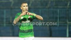 Indosport - Striker klub Liga 1, Madura United, Beto Goncalves, kabarnya dipinjamkan ke Sriwijaya FC.