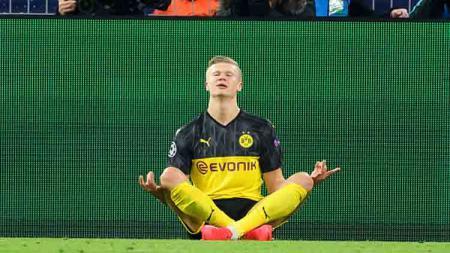 Penyerang Borussia Dortmund, Erling Haaland memberikan kemenangan untuk timnya saat melawan PSG di babak 16 besar Liga Champions 2019-2020 leg pertama di Signal Iduna Park. - INDOSPORT
