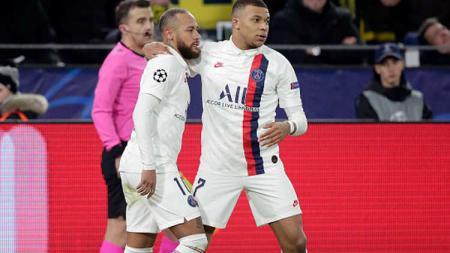 Barcelona bisa saja mendatangkan Neymar dari PSG karena sang pemain kabarnya sudah ngebet ingin kembali. - INDOSPORT