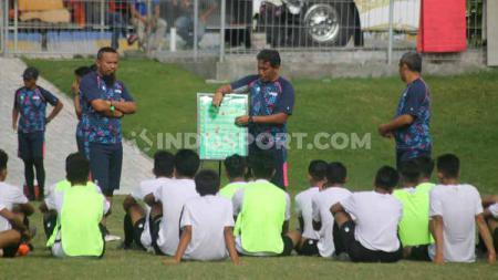 Timnas Indonesia U-16 di bawah asuhan Bima Sakti dinilai masih kurang agresif dalam persiapan ajang Piala AFF dan Piala Asia U-16 2020. - INDOSPORT
