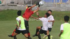 Indosport - Timnas Indonesia U-16 saat latihan di Lapangan Universitas Islam Indonesia (UII), Sleman, Rabu (19/02/20) lalu.