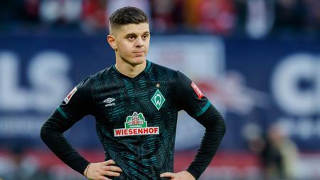 Pemain Werder Bremen yang tengah diincar Liverpool, Milot Rashica. - INDOSPORT