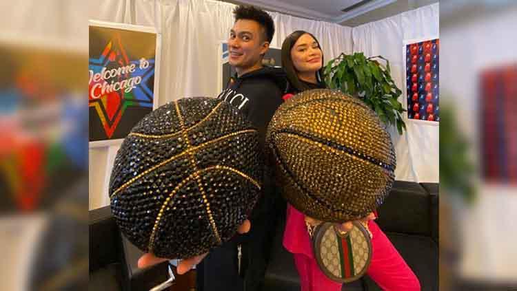 Baim Wong dan Mis Universe 2015 nonton NBA bareng Copyright: Christopher Antoni/Praxis