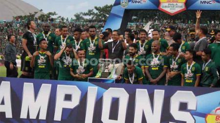 PSSI Asprov Jatim sebelumnya telah menggelar ajang bertajuk Piala Gubernur Jatim, Februari 2020 lalu. Persebaya keluar sebagai juara. - INDOSPORT
