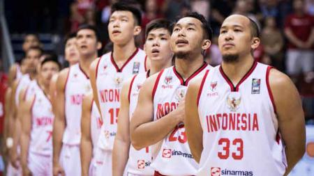 Eks pebasket Indonesia, Christian Ronaldo Sitepu ternyata menyaksikan langsung pertandingan kualifikasi FIBA Asia Cup 2021 antara Indonesia vs Filipina. - INDOSPORT