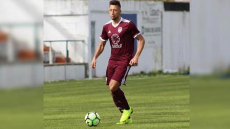 Bek klub Liga 1 2020 Persik Kediri, Jefferson Alves Oliveira, masih terus memantau perkembangan kompetisi Serie A, setelah menghabiskan kariernya selama 9 musim di Italia. - INDOSPORT