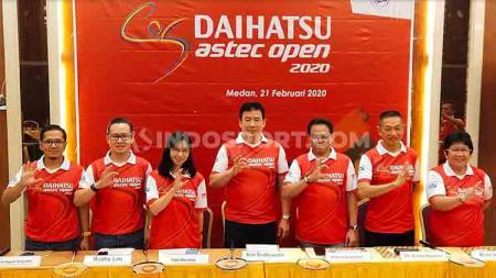Alan Budikusuma (tegah) hadir dalam temu pers turnamen bulutangkis Daihatsu Astec Open (DAO) 2020 Medan, Jumat (21/2/2020). - INDOSPORT