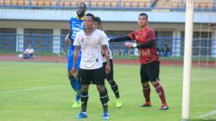 Indosport - Pemain incaran Persebaya Surabaya, Abduh Lestaluhu nyatanya saat ini masih berseragam Persikabo 1973 di Liga 1 2020.