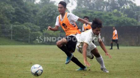 Timnas Indonesia U-16 lawan PSS U-16 di Lapangan Universitas Islam Indonesia (UII), Sabtu (22/02/20). - INDOSPORT