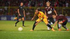 Indosport - Persijap Jepara harus puas bermain imbang melawan tamunya Persekat Tegal dalam pertandingan uji coba jelang Liga 2 2020 di Stadion Gelora Bumi Kartini.