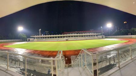 Kondisi Stadion Madya Senayan, Jakarta, yang menjadi kandang PSM Makassar diajang Piala AFC 2020. - INDOSPORT