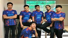 Indosport - Mengenal Doni Pratama Sakti (paling kiri), bintang PES nasional yang ketiban rezeki gabung Thai Port FC di Thai e-League Pro 2020.