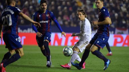Hasil pertandingan LaLiga Spanyol antara Levante vs Real Madrid pada Minggu (23/2/20) dini hari WIB, di mana El Real harus menelan pil pahit usai ditundukan tuan rumah dengan skor tipis. - INDOSPORT