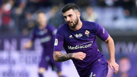 Mantan bintang AC Milan yang kini bermain di Fiorentina, Patrick Cutrone, dinyatakan positif terinfeksi virus corona - INDOSPORT