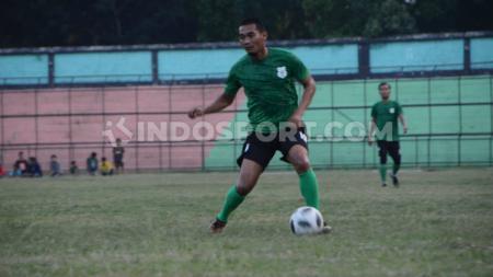Pemain senior PSMS Medan, Legimin Raharjo, turut berkomentar terkait usulan PSSI di mana klub-klub Liga 1 maupun Liga 2 2020 dipersilakan untuk negosiasi ulang kontrak pemain dan pelatih. - INDOSPORT