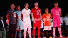 Indosport - Acara launching tim dan jersey Persija Jakarta menjelang kick-off Liga 1 2020 di Stadion Utama GBK Senayan, Jakarta, Minggu (23/2/20).