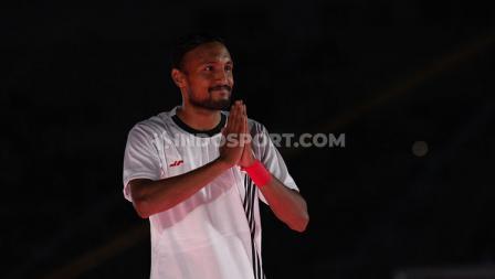 Salam Rohit Chand saat pengenalan tim Persija Jakarta untuk Liga 1 2020.