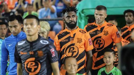 Winger andalan Persib Bandung, Febri Hariyadi, tengah menjadi bidikan utama klub raksasa Liga Thailand bernama Muangthong United. - INDOSPORT