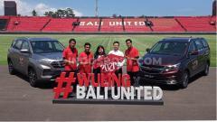 Indosport - Perkenalan Wuling Motors sebagai sponsor Bali United di Stadion Kapten I Wayan Dipta, Gianyar, Senin (24/2/20). Foto: Nofik Lukman Hakim
