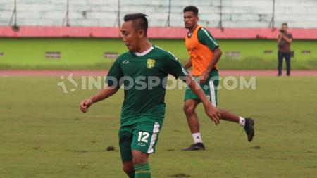 Rendi Irwan ingin agar timnya, Persebaya Surabaya dapat konsisten di Liga 1 2020. - INDOSPORT