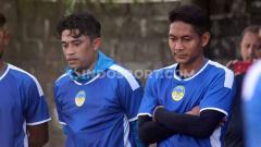 Indosport - Bek senior Beny Wahyudi dan Purwaka Yudi mulai mengikuti latihan PSIM Yogyakarta di Lapangan Kenari, Selasa (25/02/20).