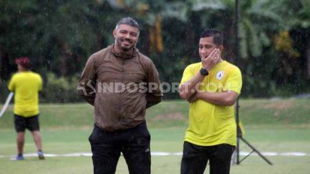 Skuat PSS Sleman dipimpin Danilo Fernando memilih berlatih secara mandiri di Lapangan YIS, Selasa (25/02/20), meski tak ada perintah dari manajemen untuk menggelar latihan. - INDOSPORT