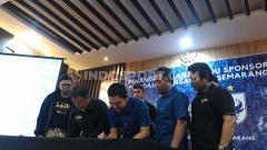 Indosport - Manajemen PSIS Semarang resmi menggandeng salah satu Badan Usaha Milik Negara (BUMN) yakni Pegadaian sebagai sponsor resmi di Liga 1 2020.