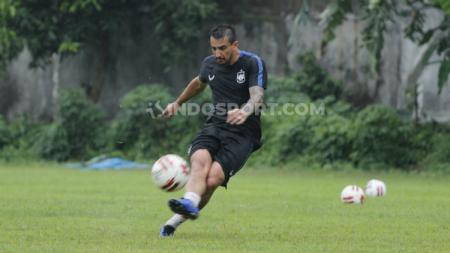 Pemain asing klub Liga 1 PSIS Semarang, Flavio Beck Jr memuji para penggawa muda timnya yang dinilai cepat beradaptasi dengan pemain senior. - INDOSPORT