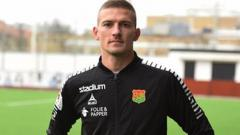 Indosport - Teka-teki striker jebolan Liga Europa kini telah tertulis resmi ke Persik Kediri. Pemain tersebut ialah Nikola Asceric (Serbia).