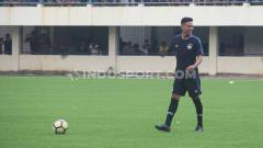 Indosport - Eka Febri saat melakukan latihan bersama pemain PSIS Semarang di Stadion Citarum, beberapa waktu lalu.