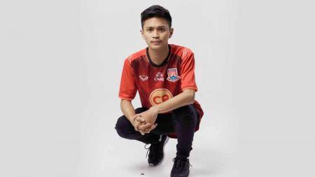 Mengenal Rommy Hadiwijaya, bintang PES nasional yang kian solid di Liga PES Thailand bersama tim Trat FC. - INDOSPORT