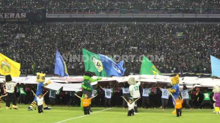 Opening Liga 1 2020 di Stadion Gelora Bung Tomo, Surabaya, Sabtu (29/02/20) berlangsung dengan meriah. - INDOSPORT