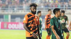 Indosport - Pemain asal Indonesia milik PT Prachuap FC (Thailand) Yanto Basna, bangga dirinya masuk Best XI ASEAN Liga Thailand.